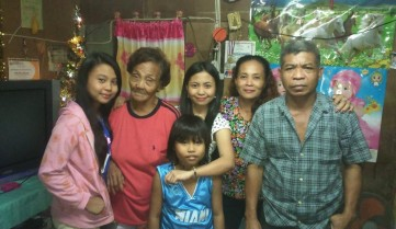 Gloribeth with family